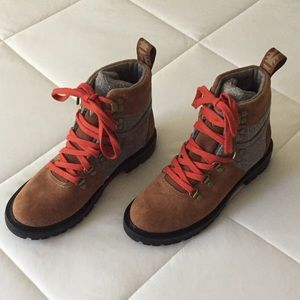 Toms Summit Rawhide waterproof Boots Size 6.5